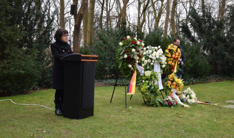 Gedenkstunde am Denkmal für die im Nationalsozialismus ermordeten Sinti und Roma