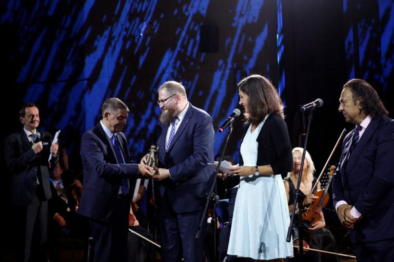 Direktor des Staatlichen Museums Auschwitz-Birkenau Dr. Piotr Cywiński erhält Sonderpreis des Europäischen Bürgerrechtspreises der Sinti und Roma