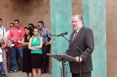 Kurt Beck weiht Denkmal für Sinti und Roma in Trier ein