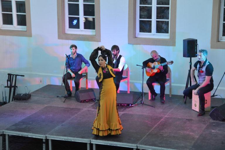 Videorückblick 2016: Open-Air-Konzert von Puerto Flamenco im Dokumentationszentrum