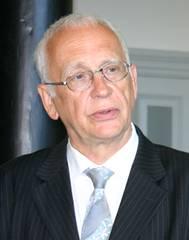 Tilman Zülch wird mit Europäischem Bürgerrechtspreis der Sinti und Roma ausgezeichnet