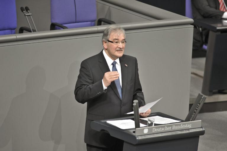Niederländischer Holocaust-Überlebender Zoni Weisz feierte seinen 80. Geburtstag
