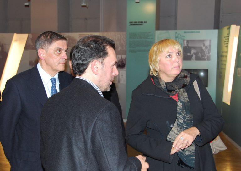 Claudia Roth zu Besuch im Dokumentations- und Kulturzentrum