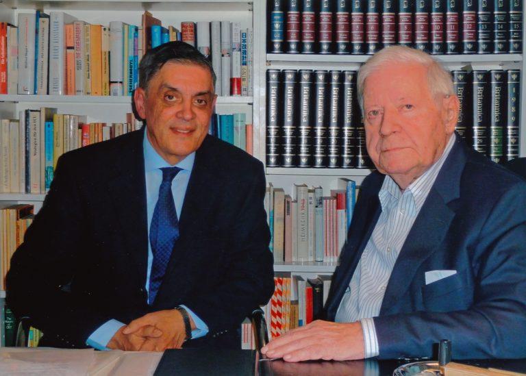 Zentralrat und Dokumentations- und Kulturzentrum Deutscher Sinti und Roma trauern um den früheren Bundeskanzler Helmut Schmidt