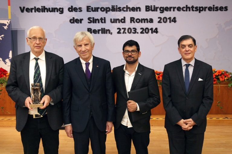 Tilman Zülch mit Europäischem Bürgerrechtspreis Deutscher Sinti und Roma ausgezeichnet