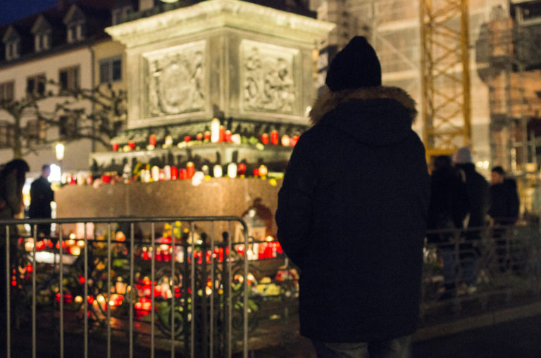 Romani Rose erinnert an die Opfer des rassistischen Anschlags von Hanau und fordert lückenlose Aufklärung