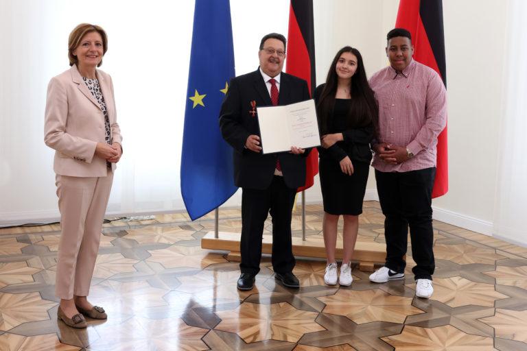 Jacques Delfeld mit Bundesverdienstkreuz ausgezeichnet